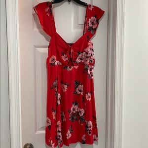 Floral print dress with cut out